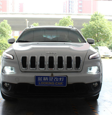 jeep自由光改车灯上海蓝精灵改灯q5透镜欧司朗CBI氙气灯