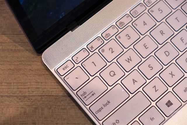 华硕想挑战新MacBook 凭这款笔记本能行吗?