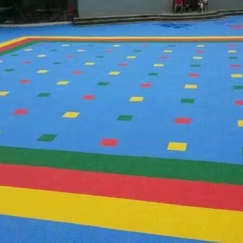 悬浮式拼装运动地板