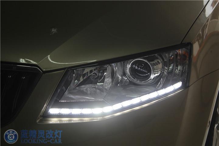 斯柯达明锐改装大灯总成 上海LED大灯改装 宝山明锐蓝精灵汽车灯光高清图片