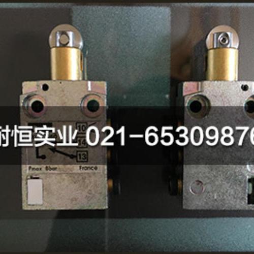 PXC-M601A102