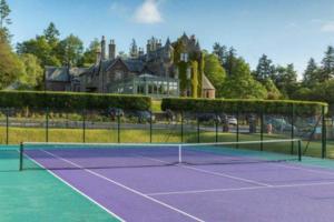 网球场室内与室外场地