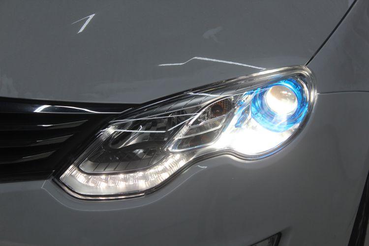 长沙蓝精灵改车灯荣威550改装海拉5透镜欧司朗氙气大灯