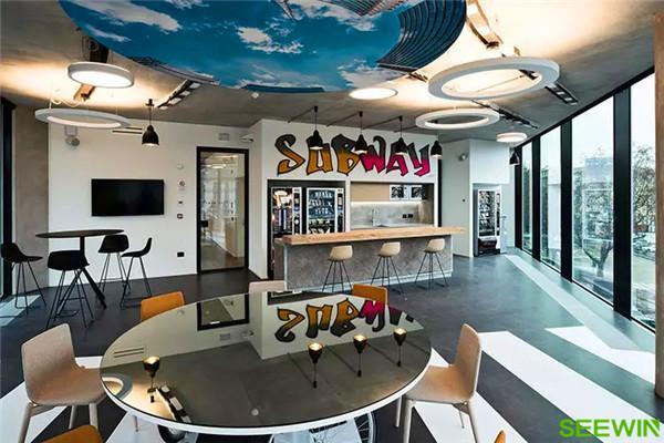 轻松自由的办公空间设计演绎的****