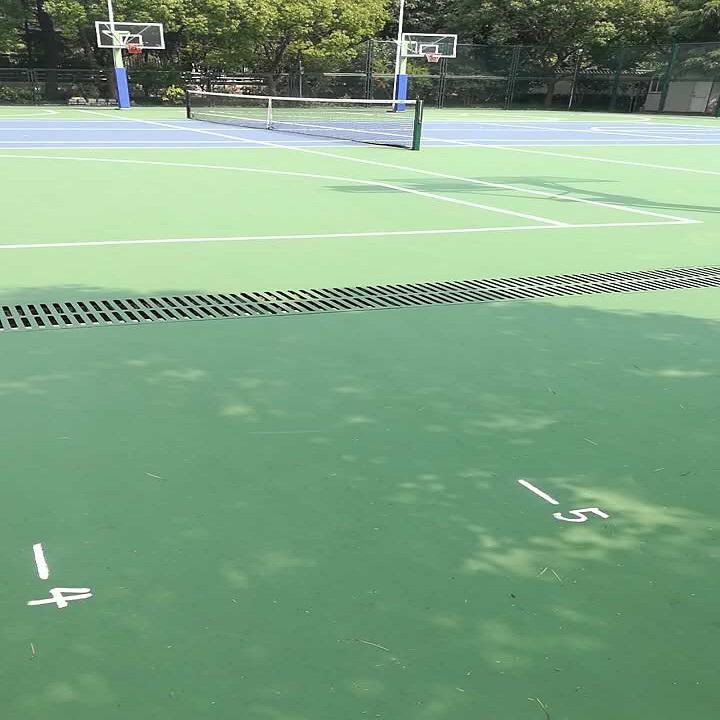 上海梅陇中学丙烯酸篮球场施工案例