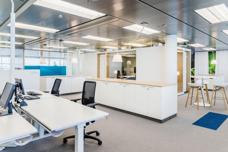 上海凌馳網絡科技有限公司辦公室裝修案例