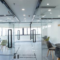 設計公司辦公室玻璃隔斷