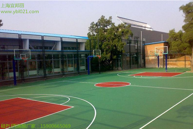 建造一个塑胶篮球场多少钱