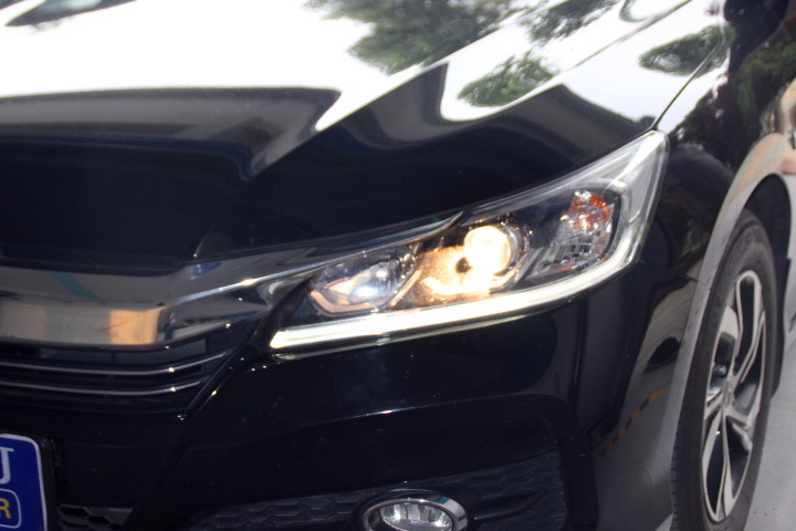 原装进口长寿命更稳定  雅阁九代 原厂车灯改装氙气灯前整车灯光效果
