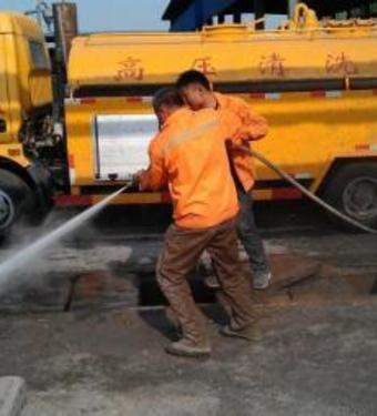 高压清洁机管道疏通使用