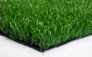 填充颗粒草坪的特点