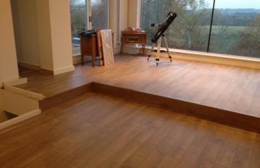 江西地板招商 实木地板是不是越重越好?