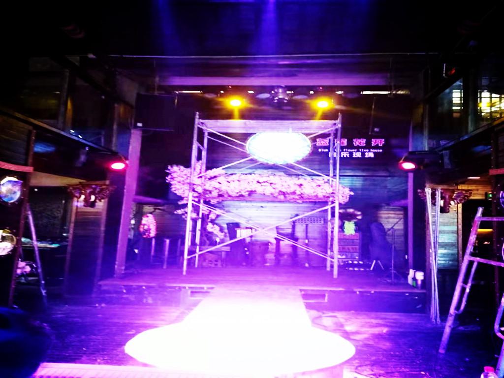 酒吧舞台灯光音响工程安装,设备维修保养。_副本.jpg