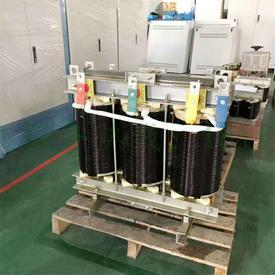Three-phase transformer 380V to 220V
