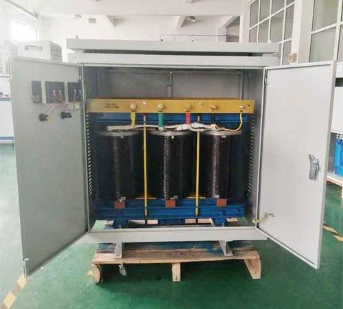 Casting type transformer with oxygen reducing resin