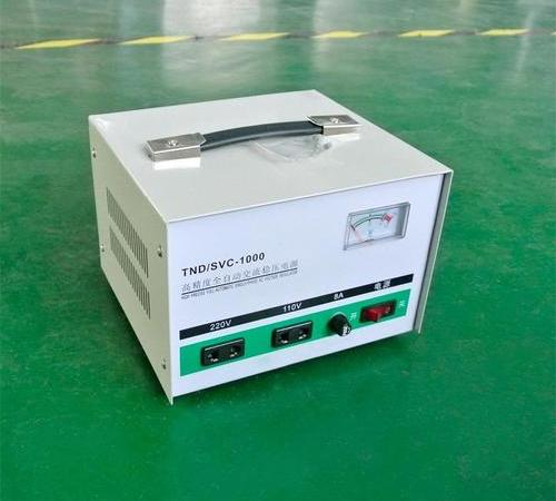 Single-phase high-precision fully automatic AC voltage regulator
