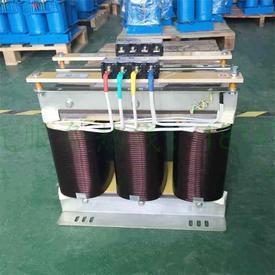Three-phase step-up transformer