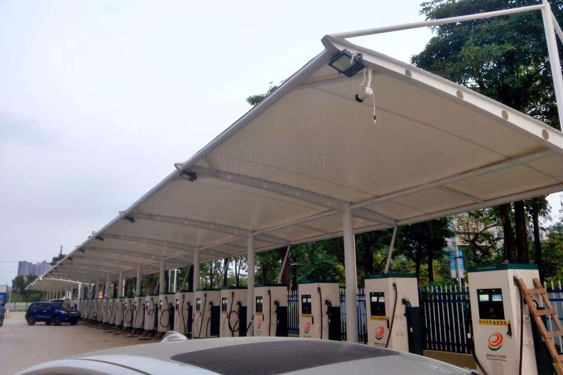 北京大通充电桩汽车雨棚膜结构