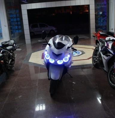 六眼魔神改天使眼氙气灯 上海摩托车改灯 蓝精灵出品