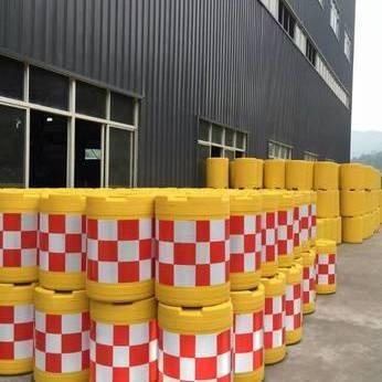 上海滚塑塑料防撞桶厂家 道路防撞桶 隔离防撞桶价格