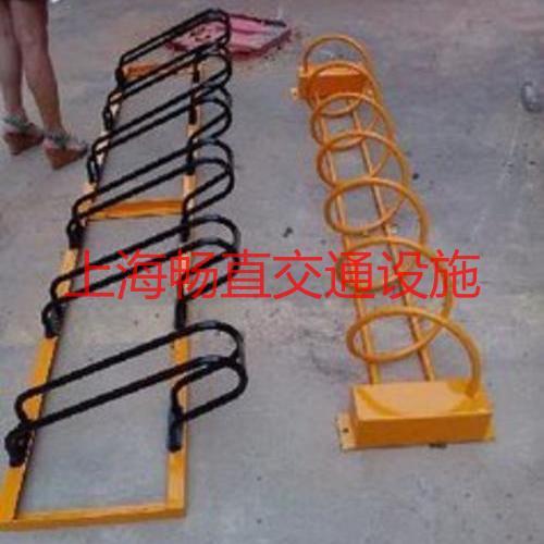 上海螺旋式自行车停放架 不锈钢自行车停放架 卡位式自行车架厂