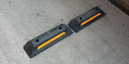 加重型橡胶挡车器 单个重量15斤 上海停车位挡车器厂家