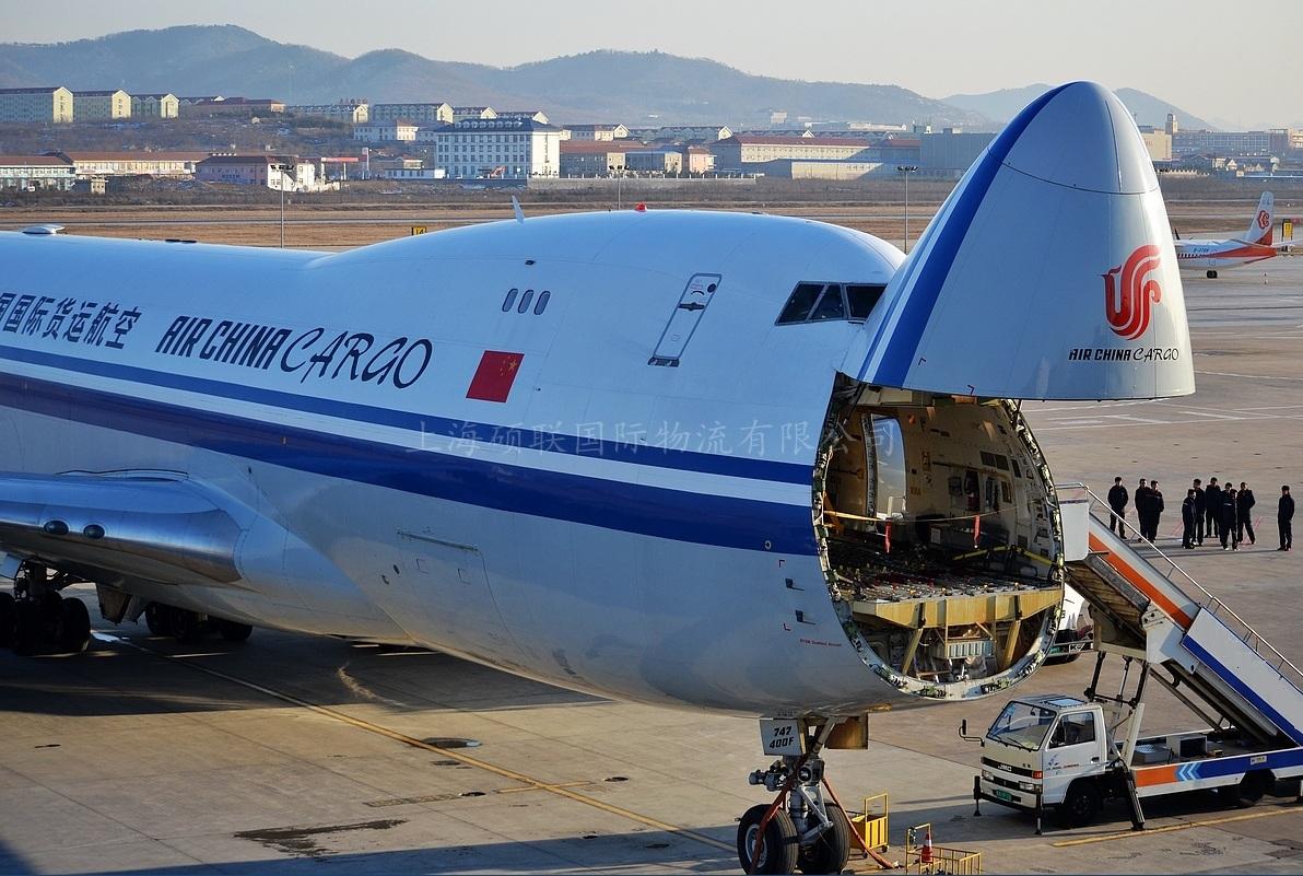 货运飞机2.jpg