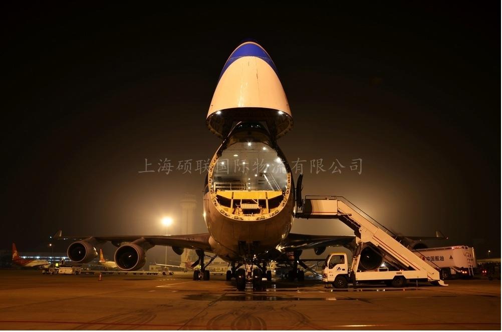 货运飞机3.jpg