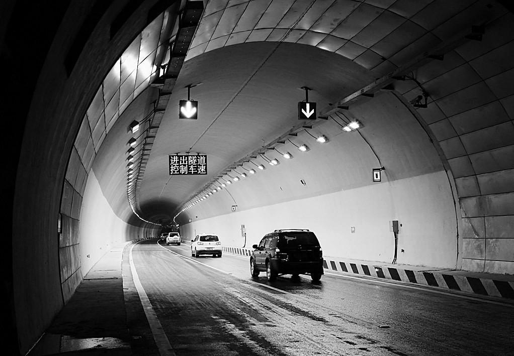 隧道7.jpg