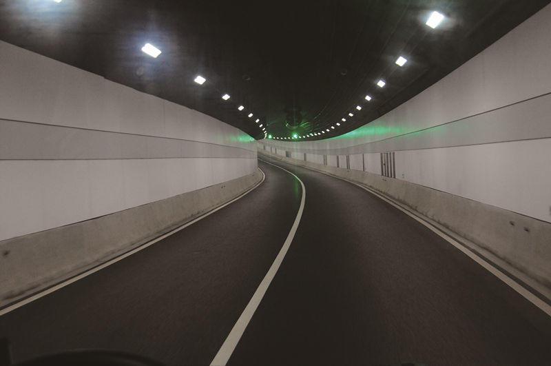 隧道3.jpg