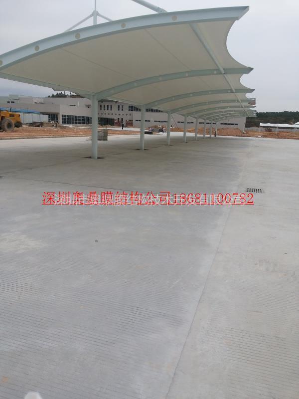 2012年11月广州保洁大巴车棚2.jpg