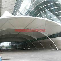 深圳T3航站楼贵宾出口膜结构安装完工全是奥鼎膜结构的师傅用心