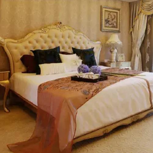 雙人美式雕花1.8米婚床