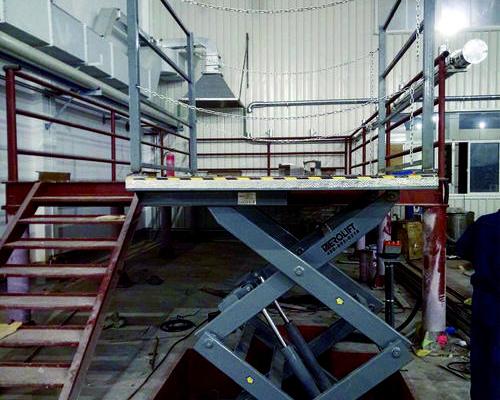 上海某知名化工企业厂房-改建现场-防爆型电动升降平台