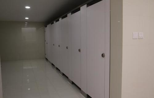 写字楼卫生间间隔断案例展示
