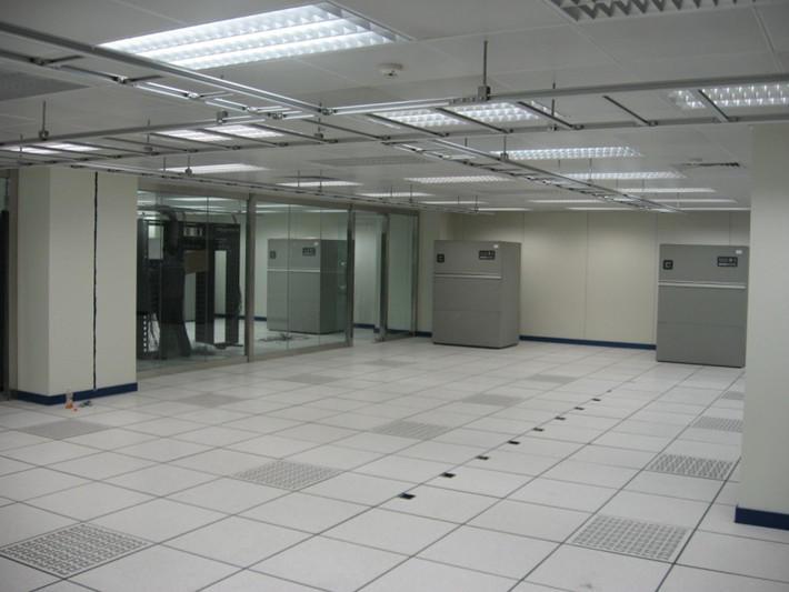 招商银行机房-16542019005.jpg