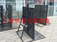 上海畅直生产的防爆铁马栅栏 不锈钢铁马护栏质量顶呱呱!!