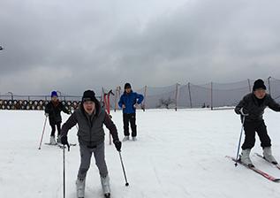 年会滑雪4.png