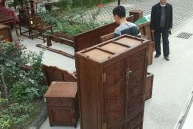拆裝或搬運家具應請專業公司