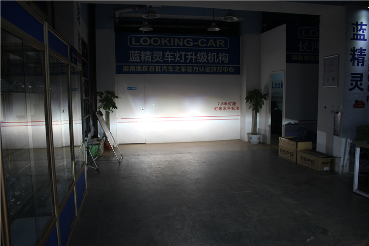 长沙奔驰C180车灯改装10.jpg