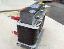 电抗器在高压配电系统的作用:电力系统中所采取的电抗器