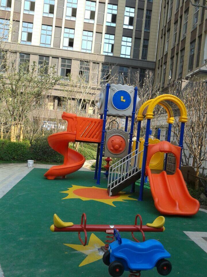 上坤乐城花园儿童游乐