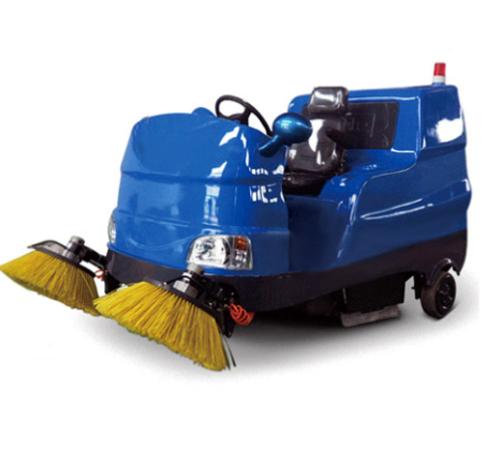 RS7018 电动座驾式扫地机