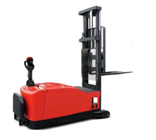RS4010 平衡重式电动堆高车(二)