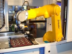 四轴与六轴机械臂伺服系统个性化解决方案