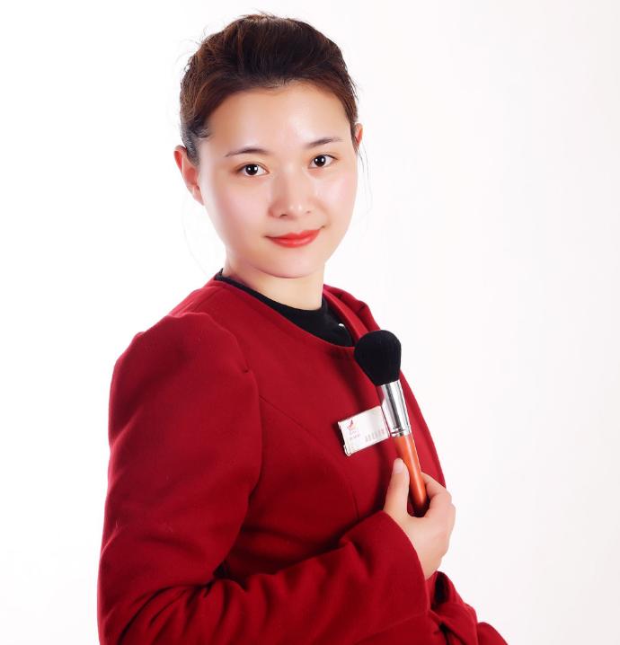 张高露-高级化妆讲师