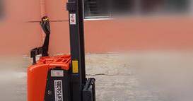 辽宁泵业公司上海分公司--全电动堆高车DN22032
