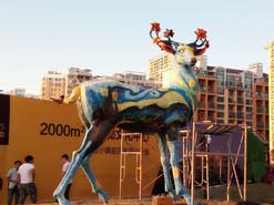 阳光城大型玻璃钢彩绘鹿雕塑