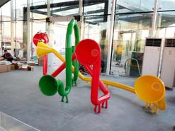 无锡儿童示范区互动传声筒雕塑