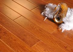 如何清洁木地板